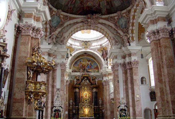 Внутри кафедрального Собора в Инсбруке