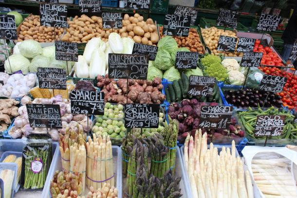 Овощи на рынке Нашмаркт